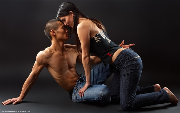 Sexy Asian Couple1 (600 x 375)